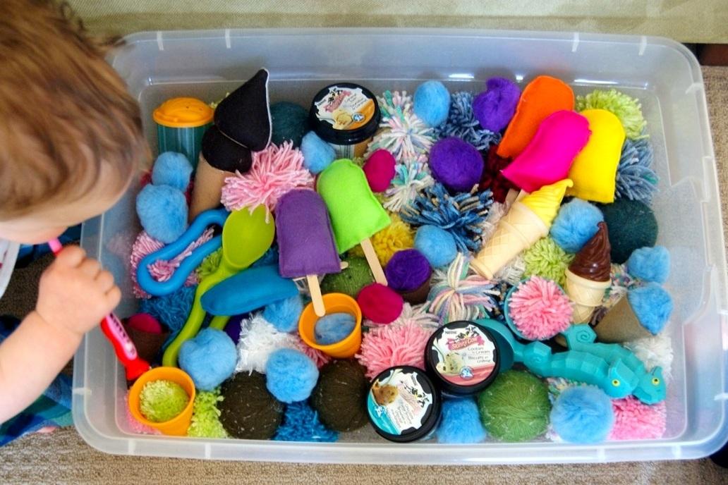 Игры для детей с коробками и игрушки из картонной тары своими руками: фото и идеи