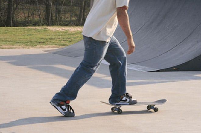 Как научиться кататься на скейте: уроки начинающим