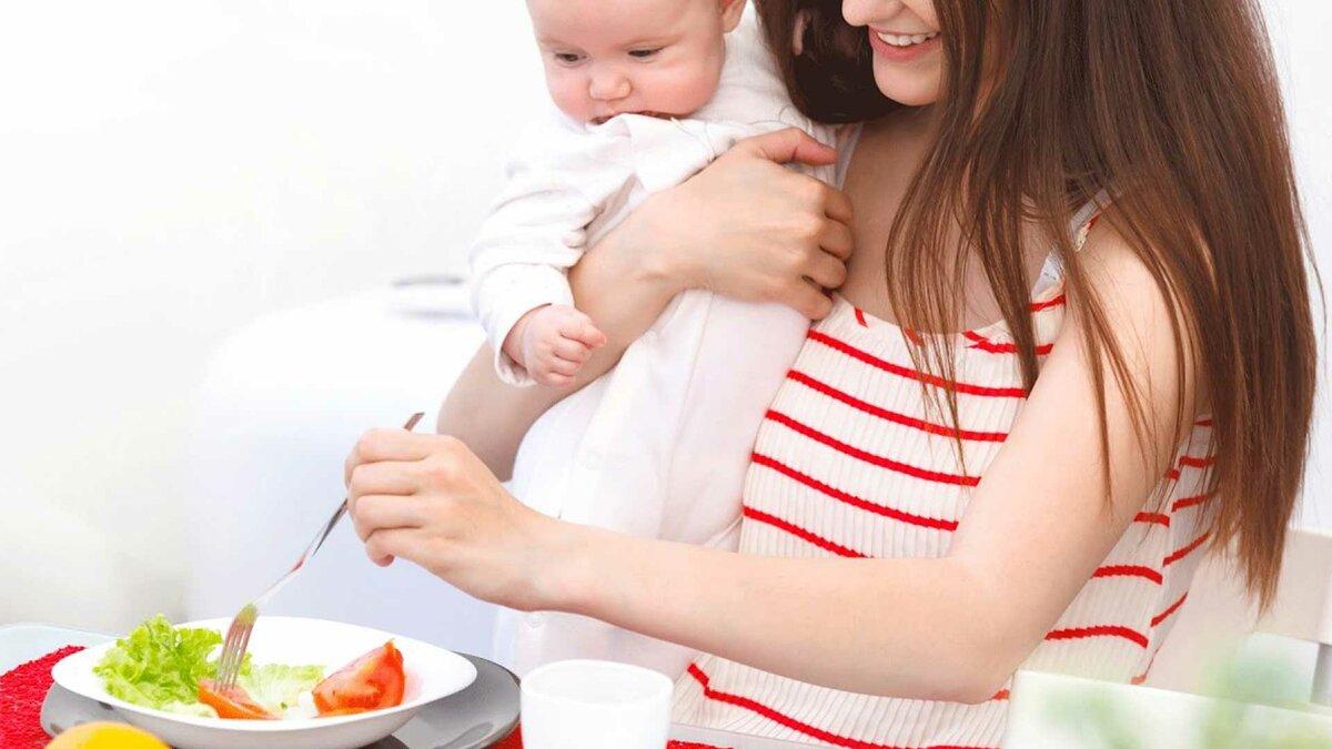 Шоколад при грудном вскармливании: можно ли есть горький и иной маме при лактации, через сколько он выводится, почему нельзя в первый месяц жизни новорожденного?