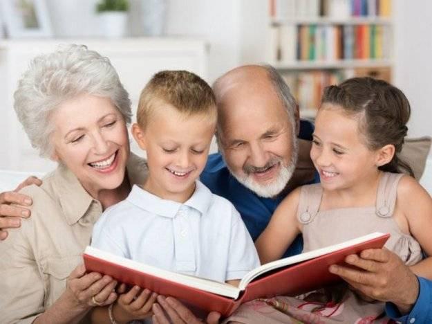 Какую роль играют внуки в жизни бабушек и дедушек — колесо жизни