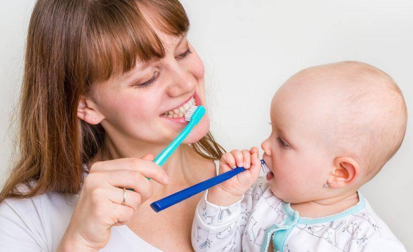 Кариес молочных зубов у детей: причины и как лечить