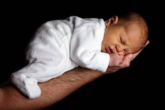 Нейропсихическое развитие детей -  рефлексы новорожденных,  развитие речи