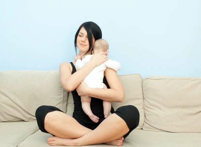 Нужно ли держать ребенка столбиком после кормления?