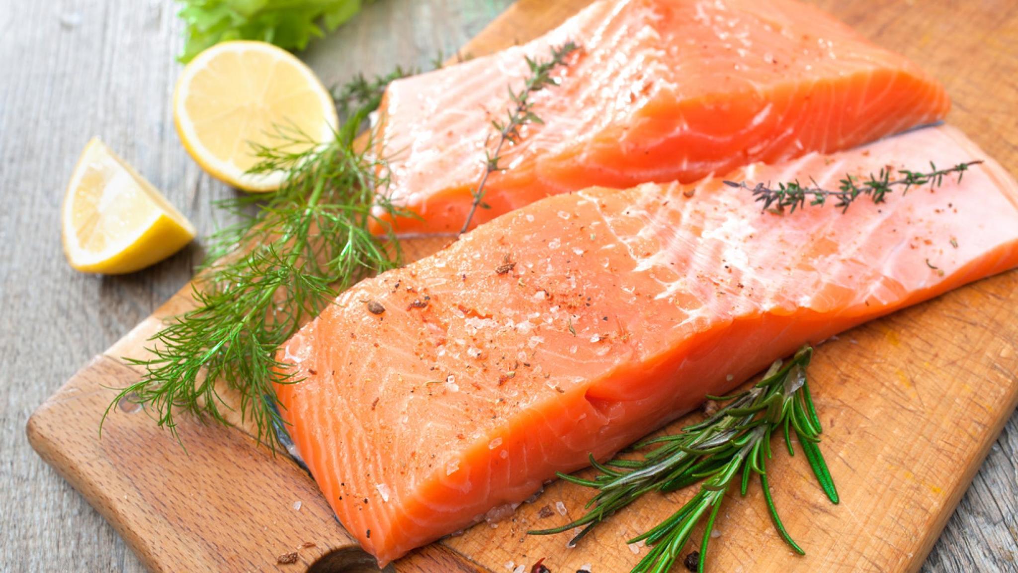 Можно ли беременным семгу слабосоленую, сушеную и вяленую красную рыбу – форель, горбушу, лосось?