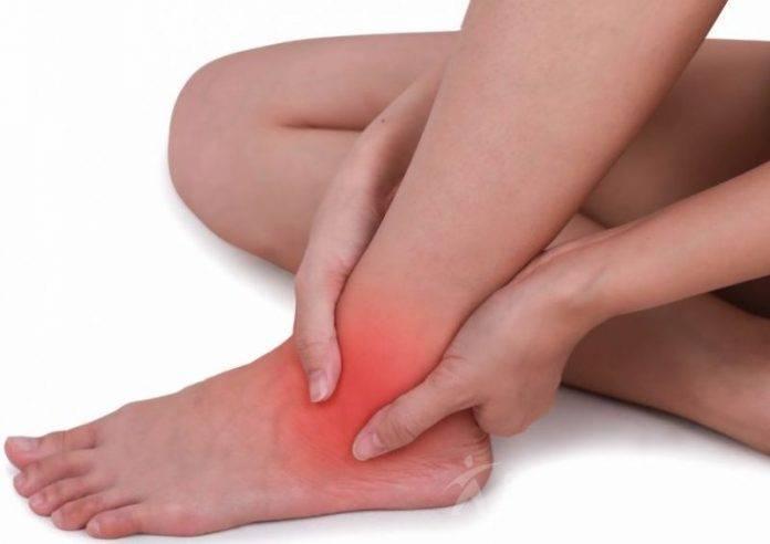 У ребенка болят ноги ниже колен: причины, что делать?