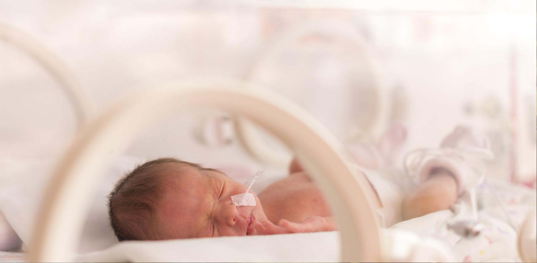 Недоношенный ребенок: особенности состояния и этапы выхаживания