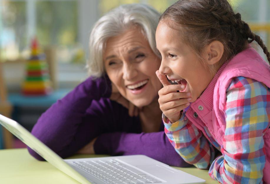 Няня, садик или бабушка | что выбрать занятым родителям