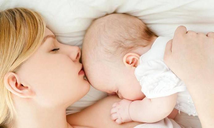 Нужно ли будить новорожденного для кормления. как разбудить малыша