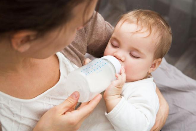 Докорм: в каких случаях стоит дополнительно докармливать ребенка. сколько докорма нужно ребенку