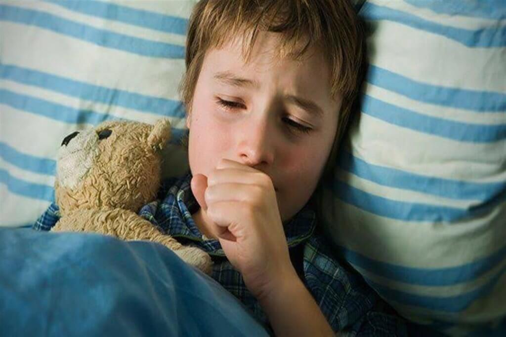 Как быстро и эффективно остановить приступ кашля у ребенка