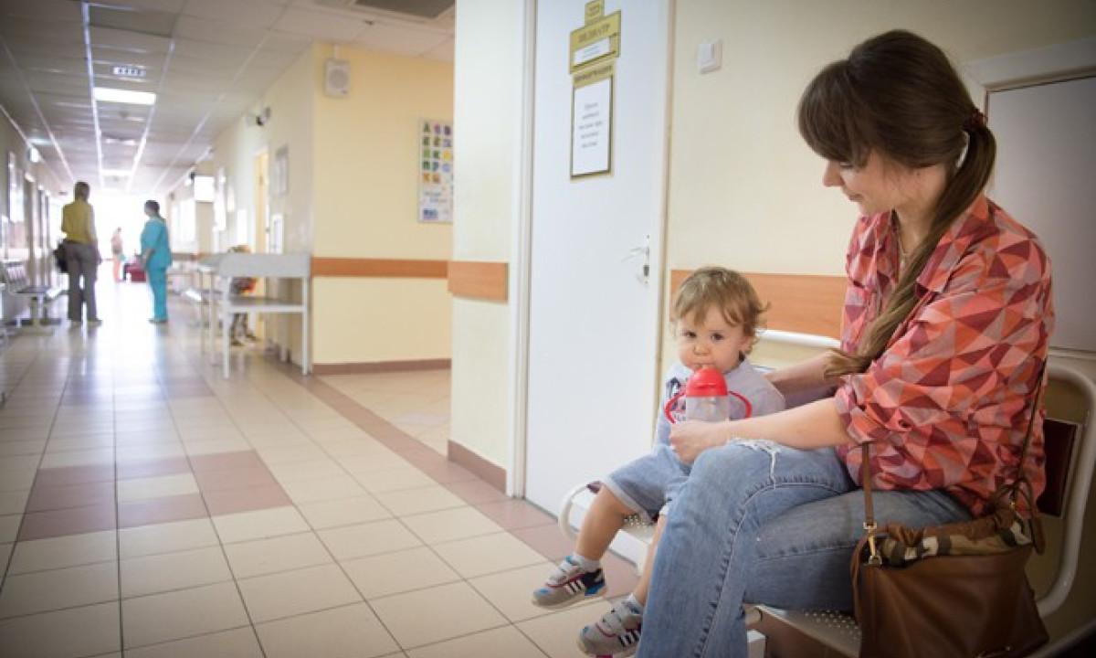 Маме на заметку: чем занять малыша в очереди, поликлинике, поездке