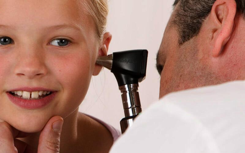 Народные средства от боли в ухе для ребенка. как лечить отит у детей народными средствами?