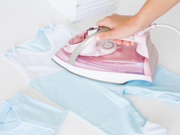 Нужно ли гладить пеленки новорожденному?