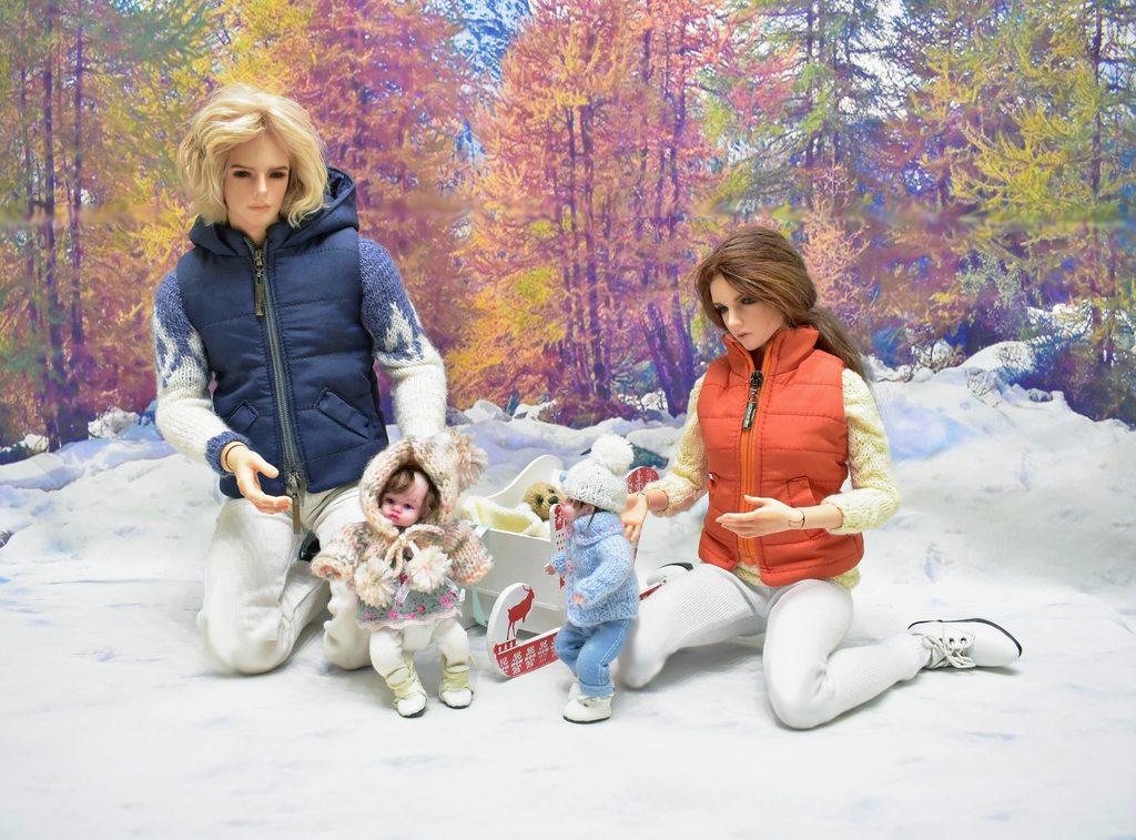 Зимние прогулки в группе раннего возраста