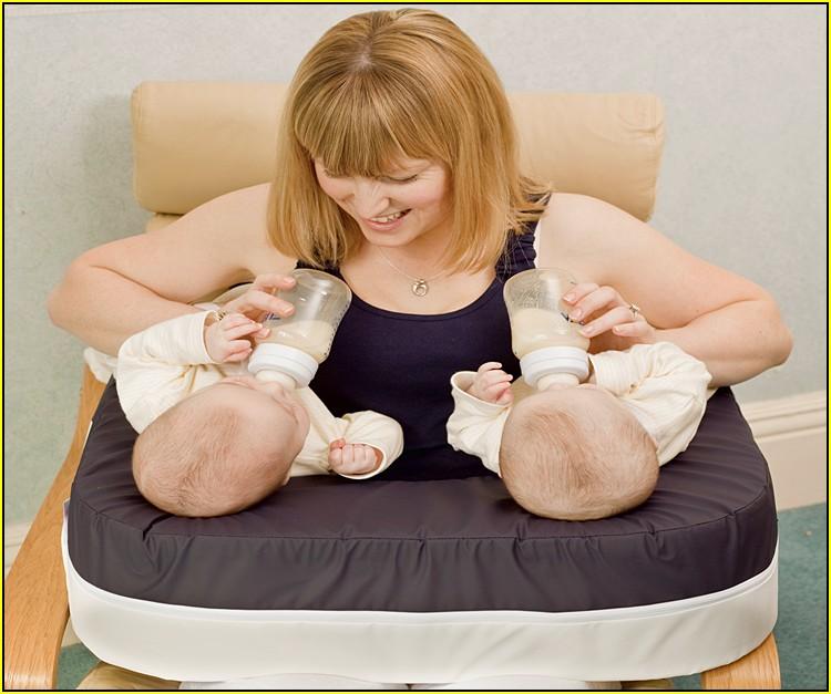 Подушка для кормления грудного ребенка: купить или сделать своими руками