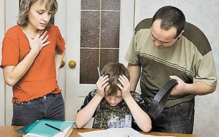 13типичных фраз токсичных родителей: что они значат насамом деле икак правильно наних реагировать