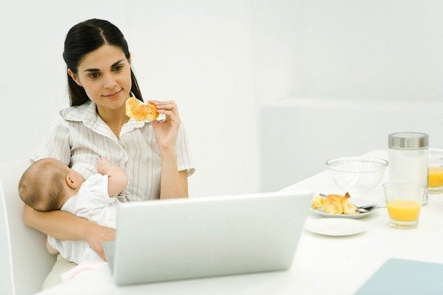 Мороженое при грудном вскармливании — а можно ли его кормящей матери?