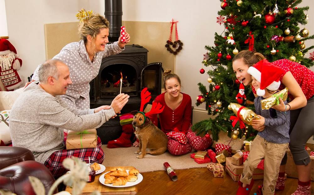 Как отметить новый год 2021 весело всей семьей: недорого, идеи | не для галочки, а для друзей