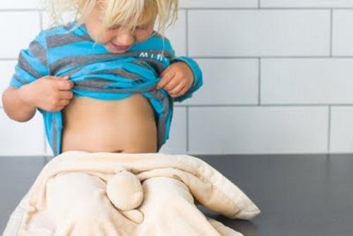 Болит попа у ребенка
