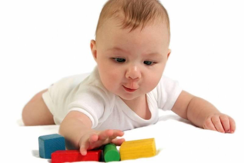 Физиологическое развитие малыша в 11 месяцев