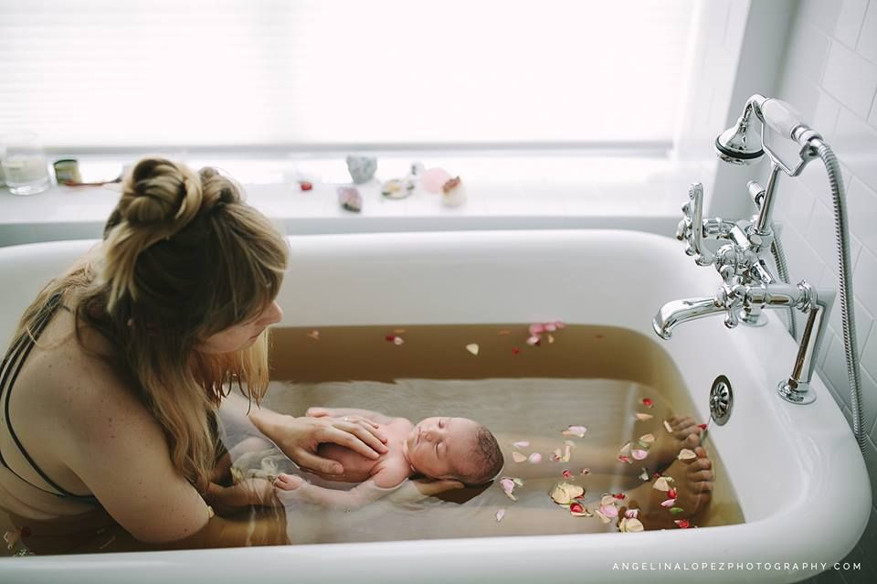 Когда после родов можно принимать ванну