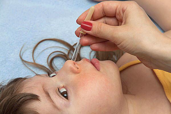 Капли от насморка для детей - топ 5 эффективных детских капель