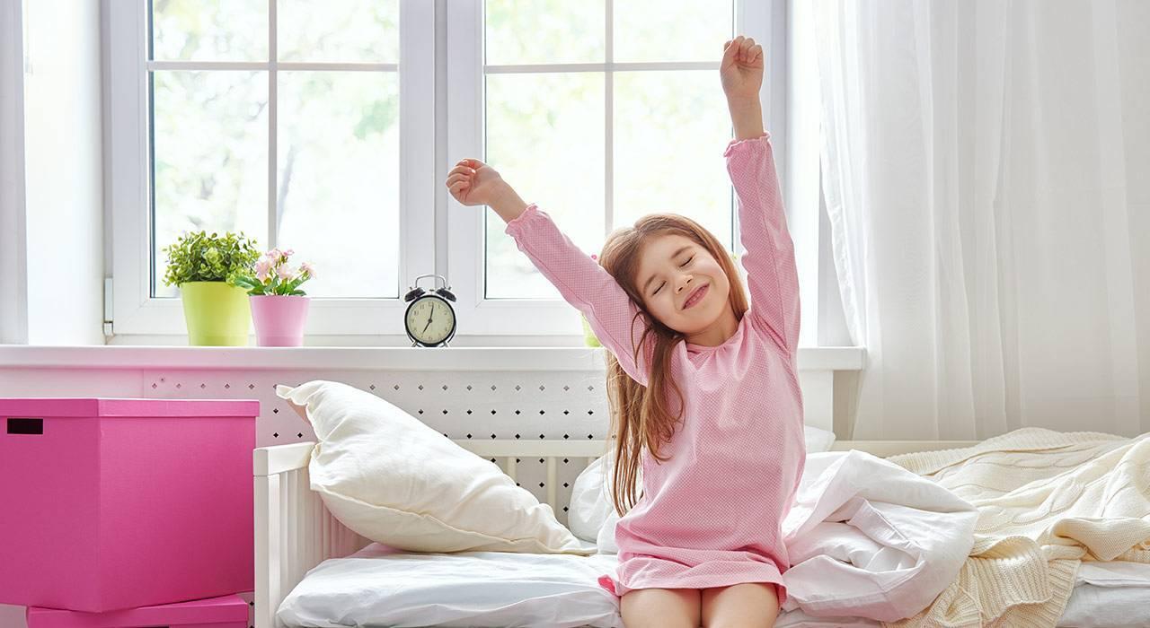 Ребенок проснулся: 3 важных утренних ритуала - иркутская городская детская поликлиника №5