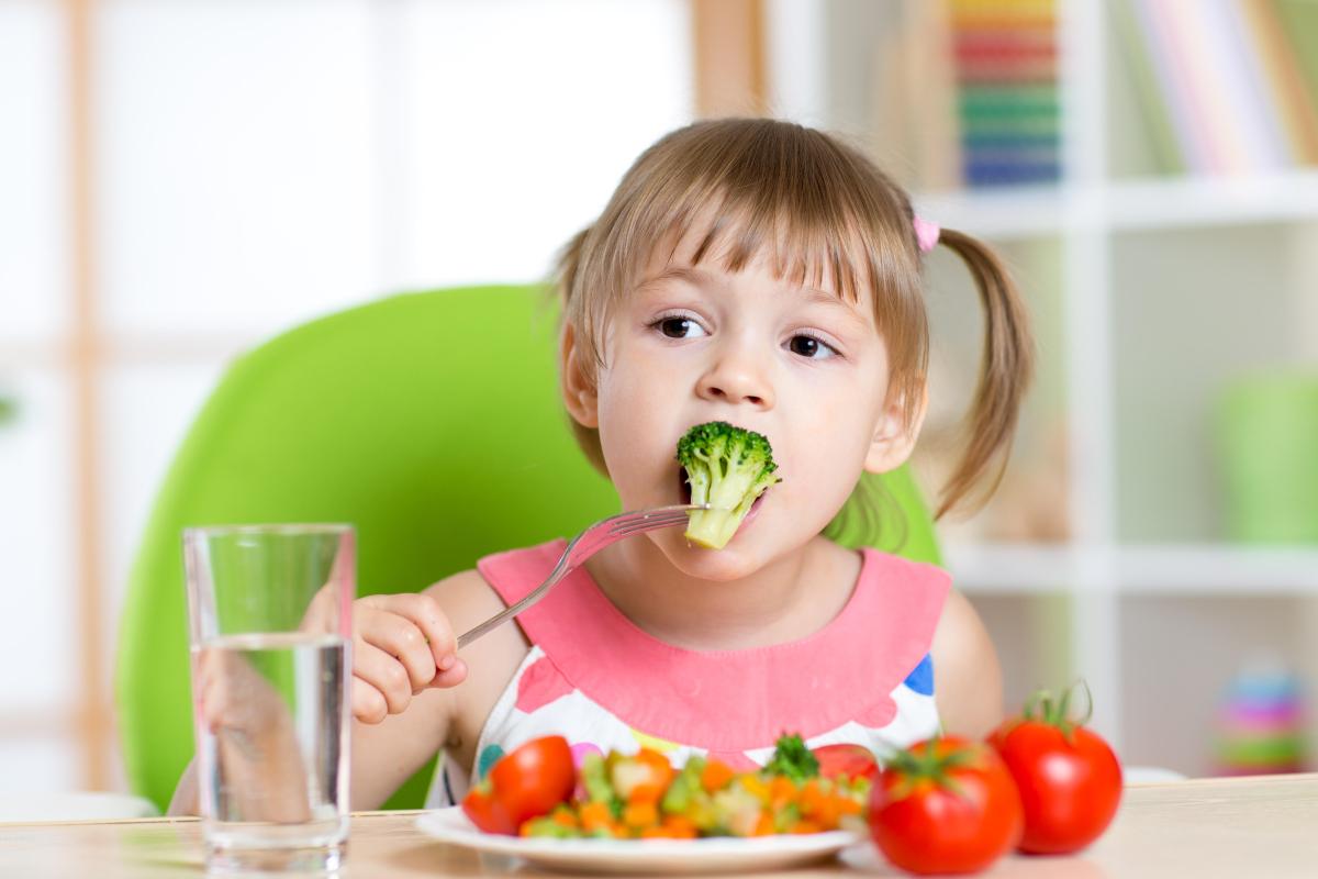 Чем кормить ребенка при стоматите и какую диету соблюдать?