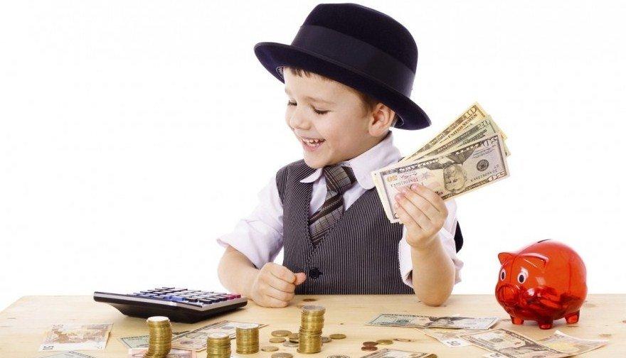 Как научить ребенка обращаться с деньгами, сколько давать