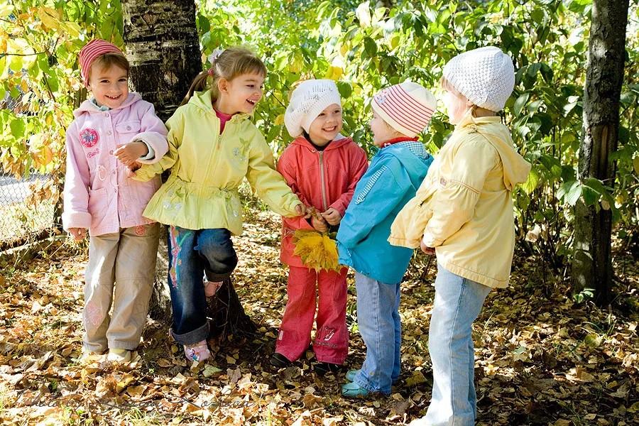 Топ-50 подвижные игры для детей на улице летом на свежем воздухе интересные и веселые   семья и мама