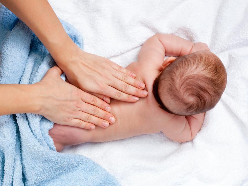 Какие места растирать при кашле ребенку