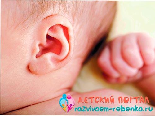 Уход за ушами новорожденного ребенка – правила и рекомендациии