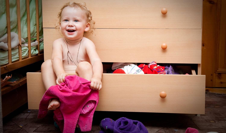 Как одеть или переодеть без слез и капризов маленького ребенка