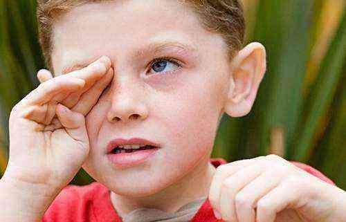 Локальные тики у детей лечение доктор комаровский. навязчивые движения у ребенка: причины, лечение