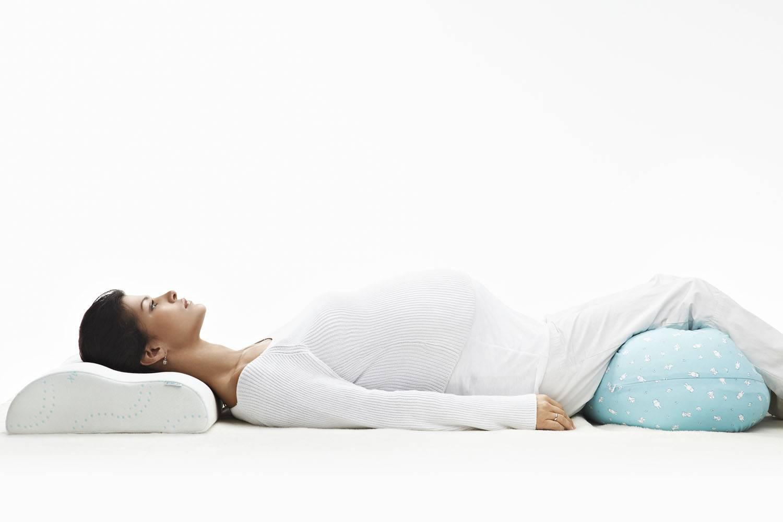 Как правильно спать во время беременности