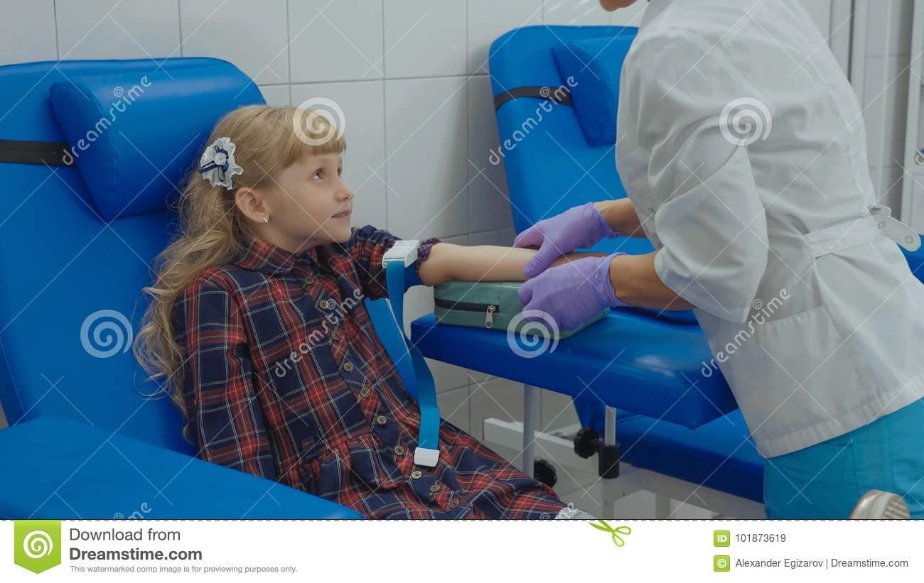 Ребенок боится сдавать кровь | уроки для мам