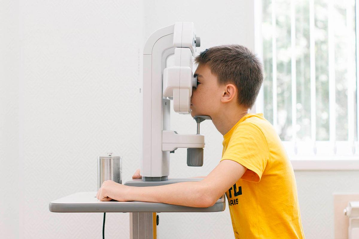 боремся с миопией: народное лечение близорукости у детей