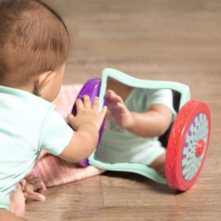 Как научить ребенка ползать: 7 упражнений и личный опыт. как научить ребенка ползать: массаж, упражнения, пример родителей.