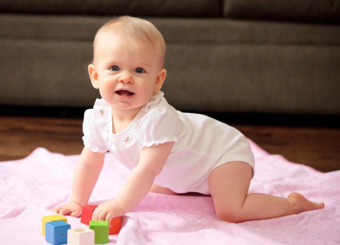 Что должен уметь грудничок в девять месяцев