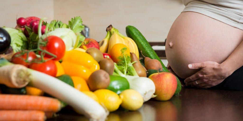 Правильное питание беременных женщин: диета на протяжении недель 1, 2, 3 триместров беременности, списки продуктов, меню, таблицы