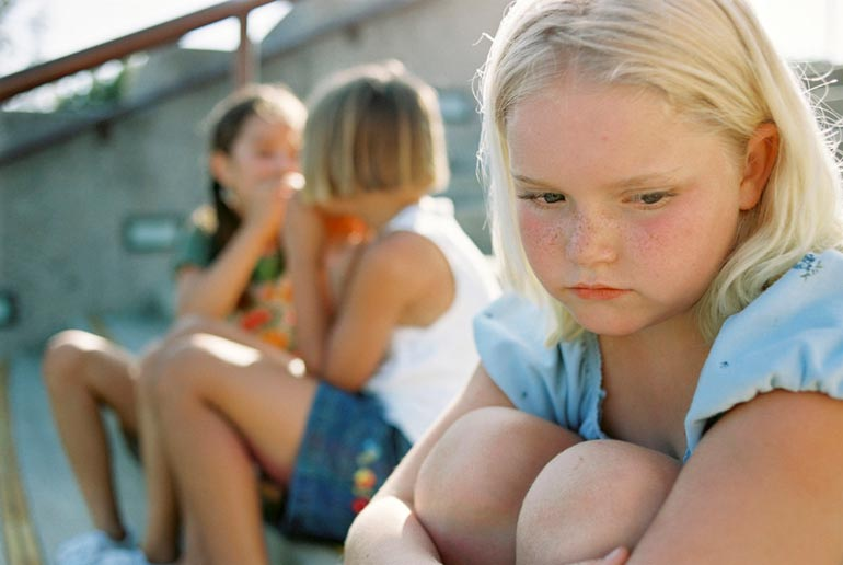 Ребенок ни с кем не дружит: 6 причин, на которые могут повлиять родители