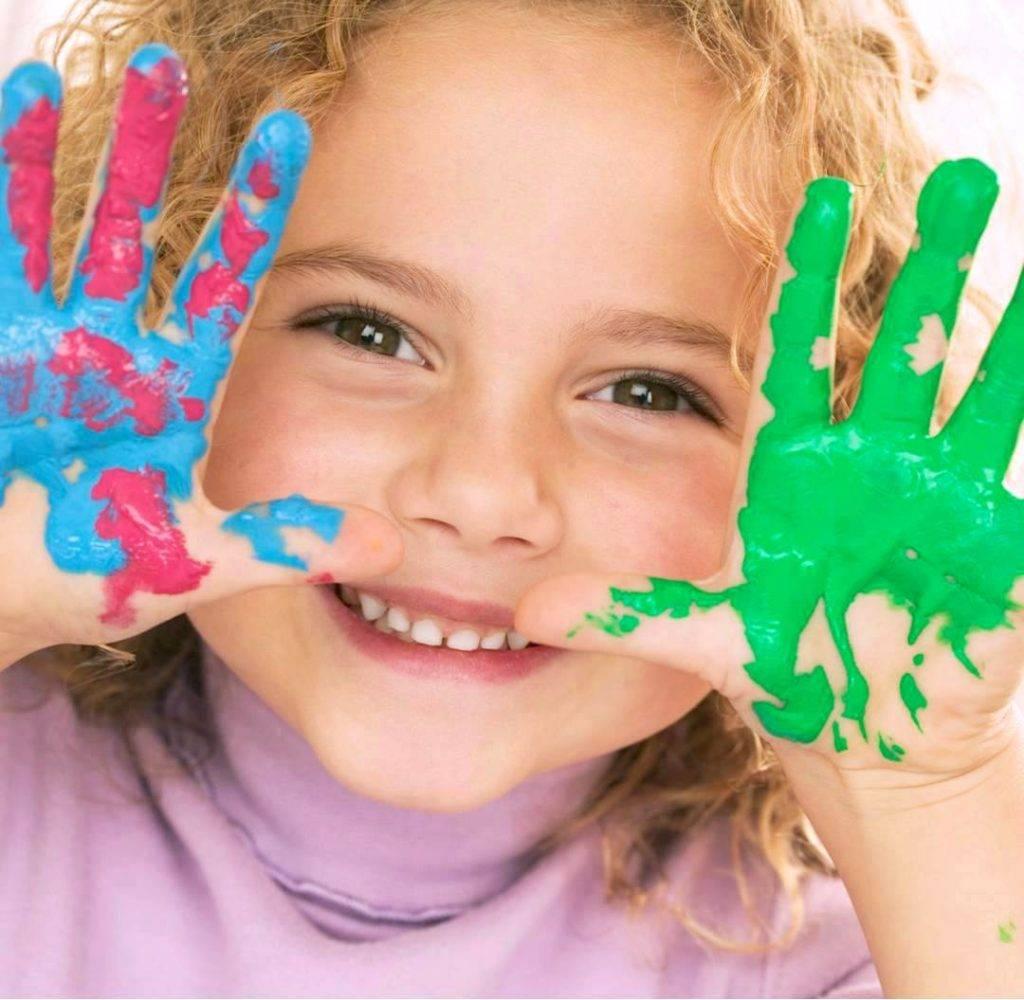 Ребенок рисует черным цветом: что это значит по мнению психолога