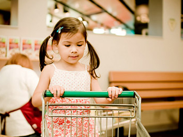 «ну купи!» что делать, если ребенок постоянно просит новые игрушки?