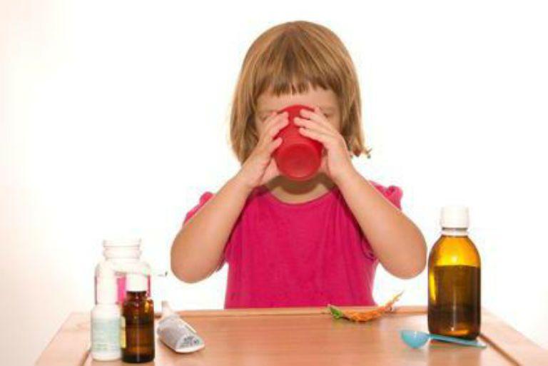 Чем лечить ночной кашель у ребенка, как снять приступ, советы комаровского