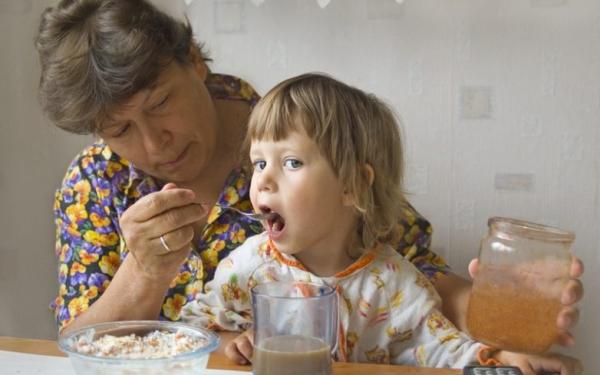 Ученые доказали, что бабушка по материнской линии — самый важный человек в жизни ребенка. и вот почему…