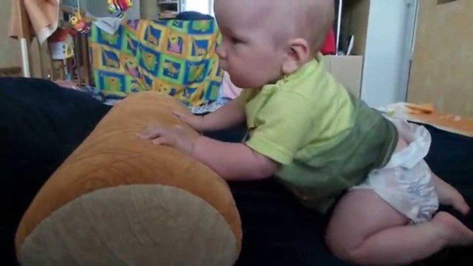 Как научить ребенка ползать - пошаговая инструкция и самостоятельное обучение (105 фото и видео)