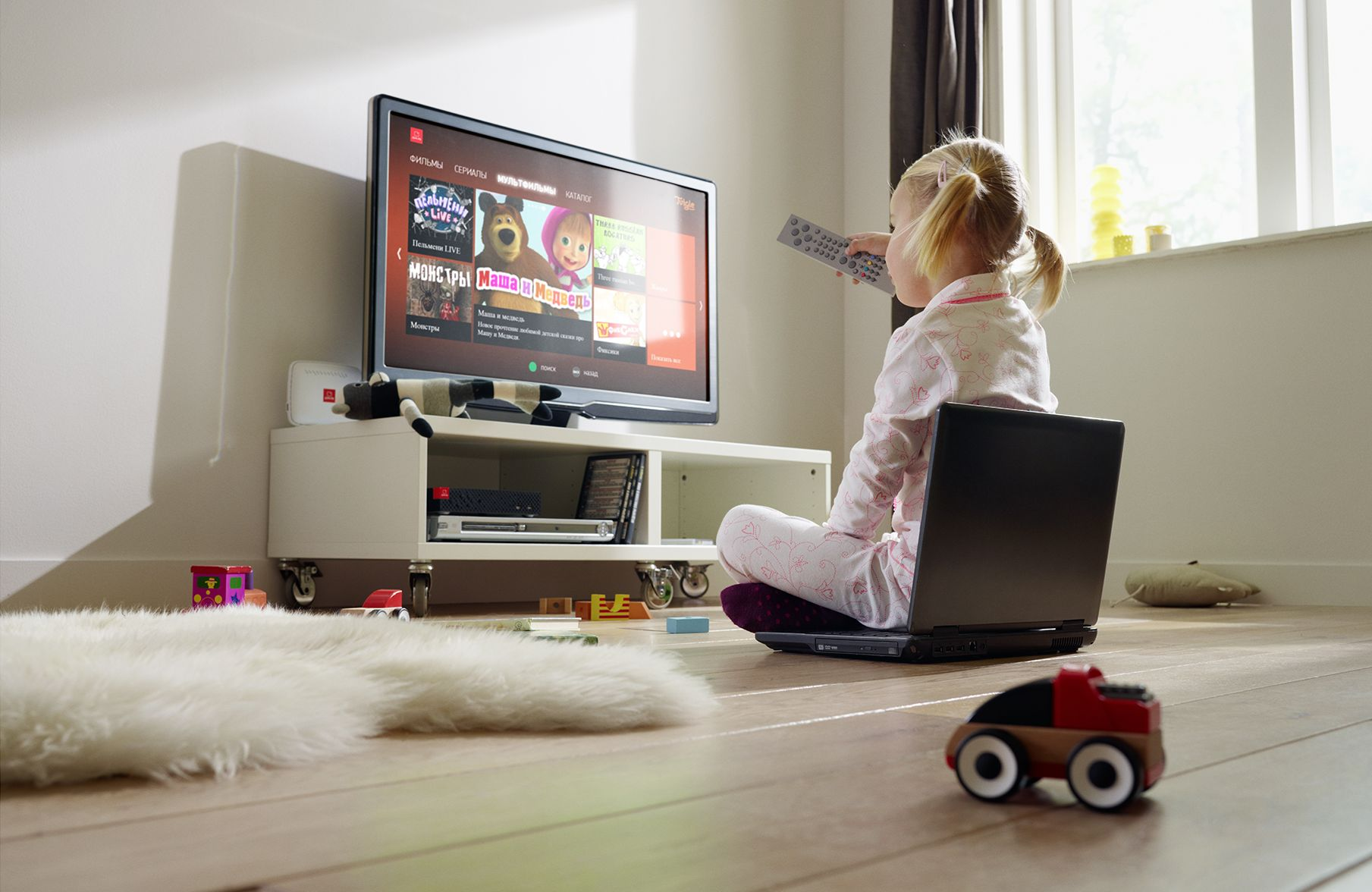 Ребенок и телевизор: что и с какого возраста можно смотреть по телевизору?