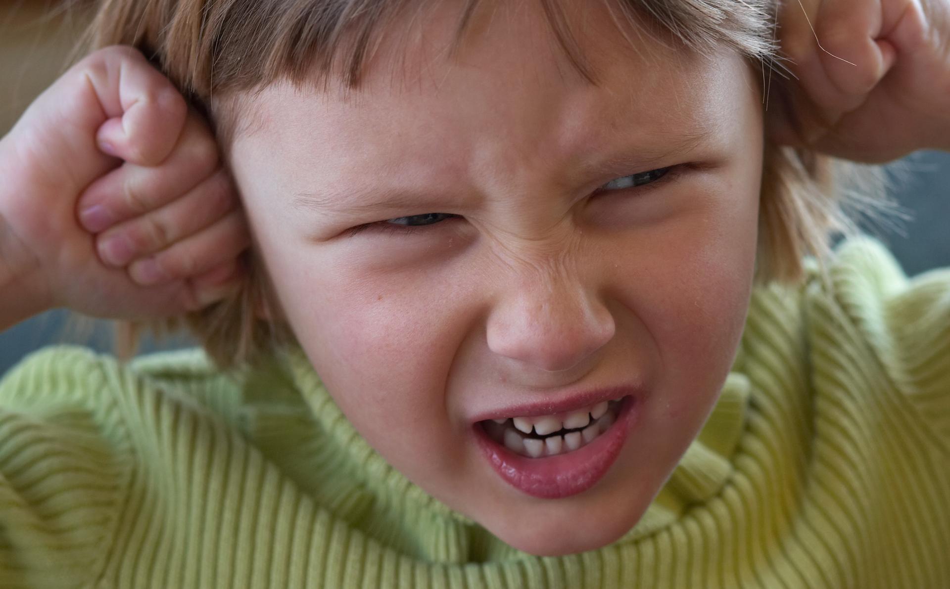 Нервные дети: возможные причины, симптомы, способы лечения и советы психологов