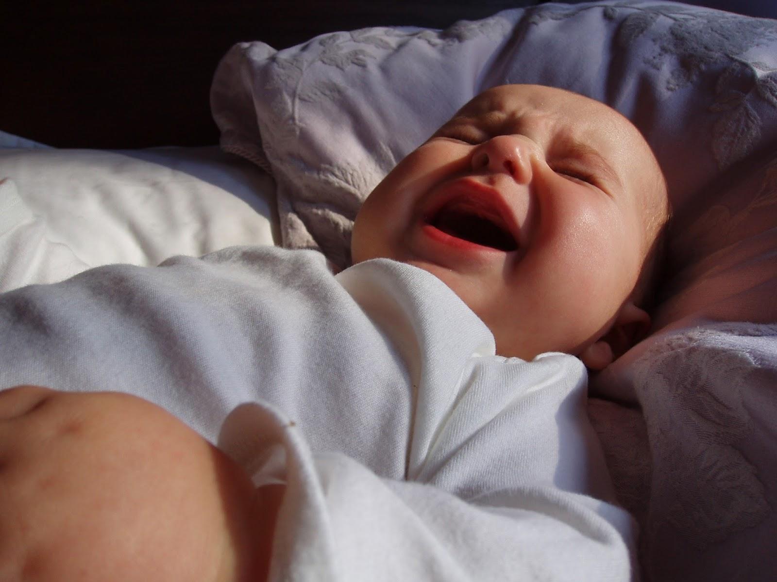 Грудничок плохо спит ночью и часто просыпается – советы доктора комаровского 2020