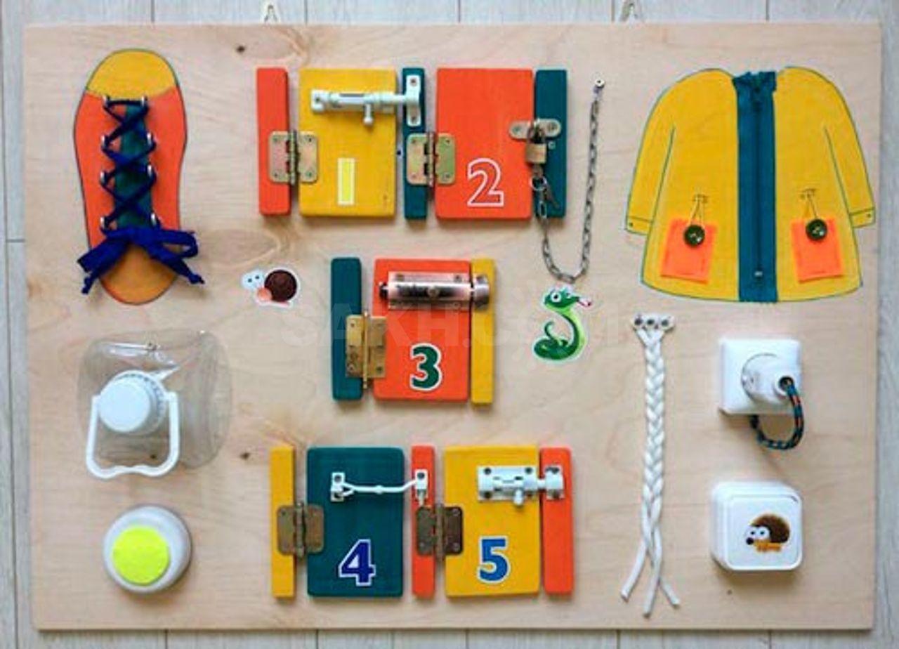 Бизиборд своими руками: развивающая игрушка для будущего гения